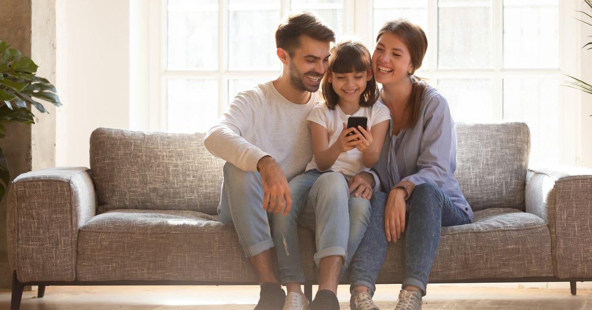 Kinder-Handytarife von 1&1 im Preis-Check: 1GB Datenvolumen ab 3,99€ im Monat | familie.de