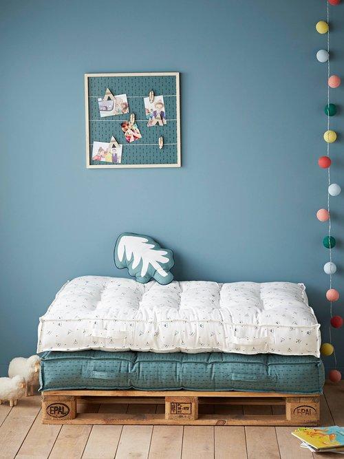 Kuschelecke im Kinderzimmer mit Bodenmatratze