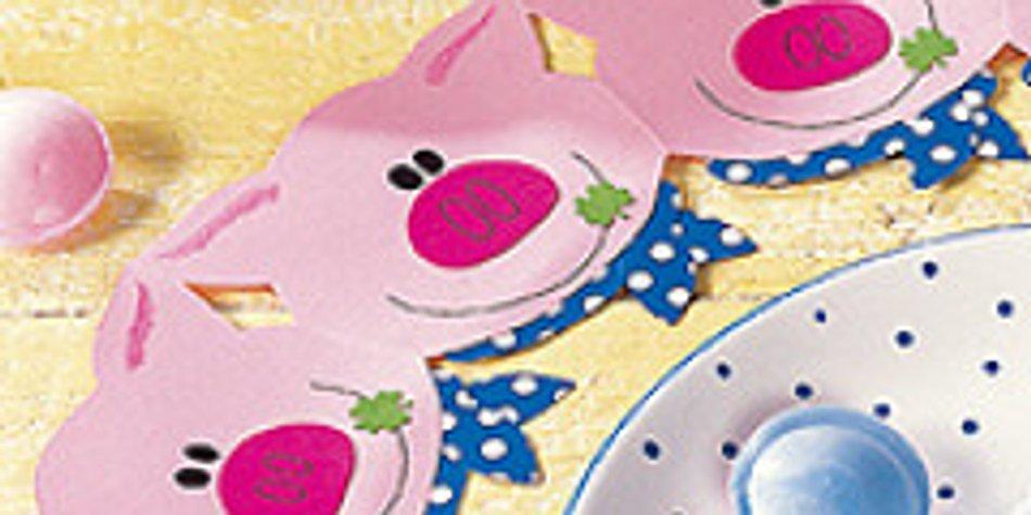 Basteln Mit Papier Glücksschweinchen Familiede