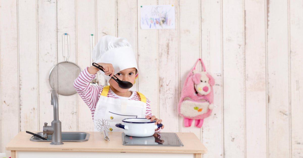 Spielzeugküchen im Vergleich: Die 6 schönsten Modelle | familie.de
