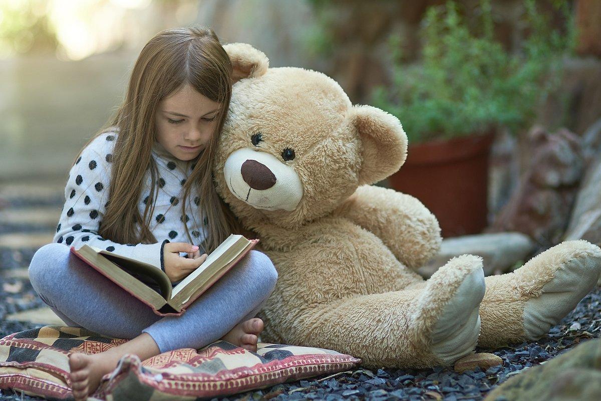 Benutzt Spielzeug Mädchen Freund Schmutzige Fragen