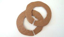 Pappringe für Pompons selber machen