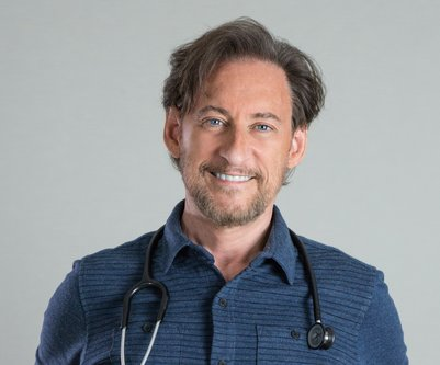 Dr. Harvey Karp, Kinderarzt & Gründer von Happies Baby (c) Happiest Baby