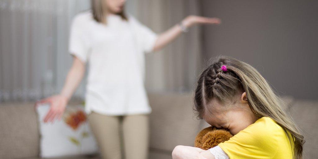 Manipuliert narzisstischer tochter vater Vater narzisst