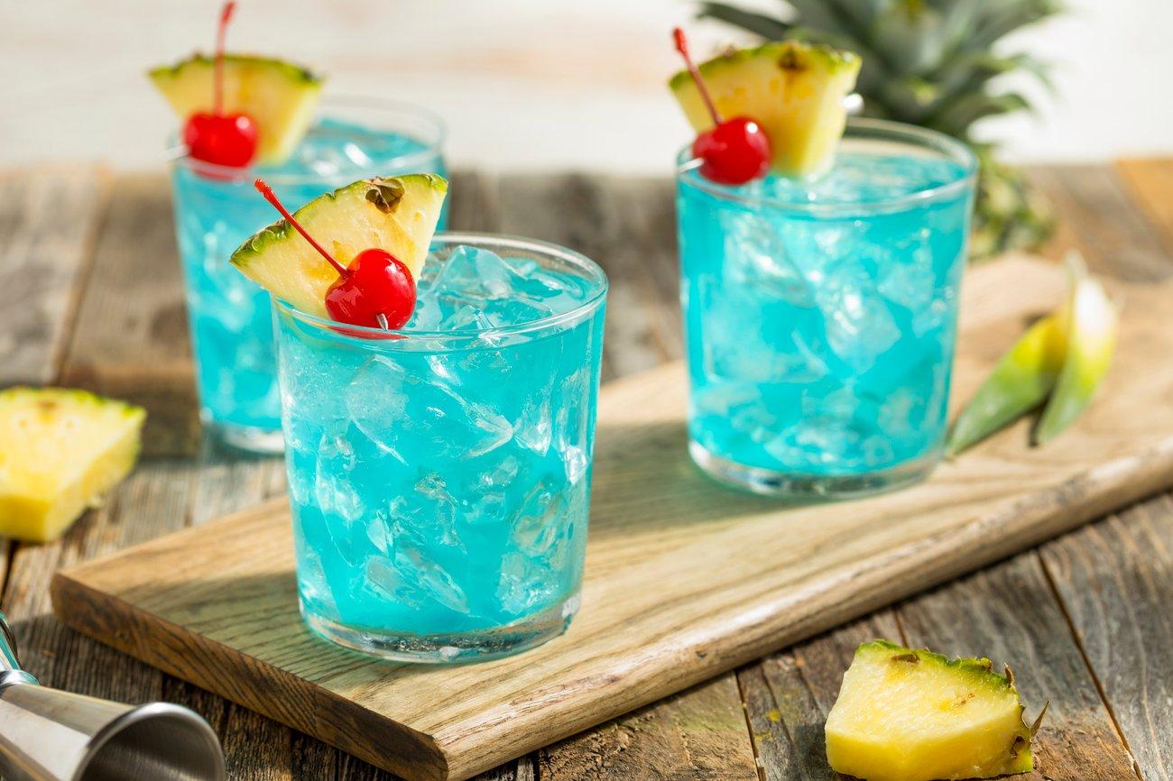 Kinderbowle blau färben