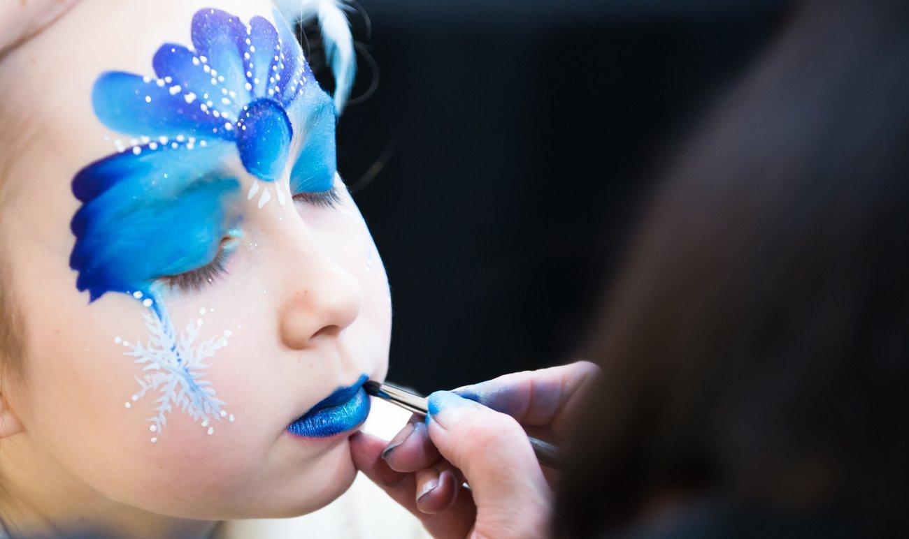 Elsa schminken Vorlage