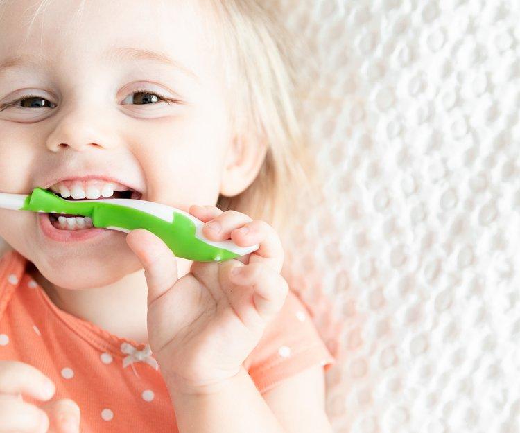baby erster zahn