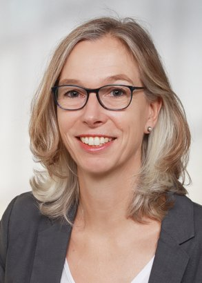 Dr Barbara Hauer