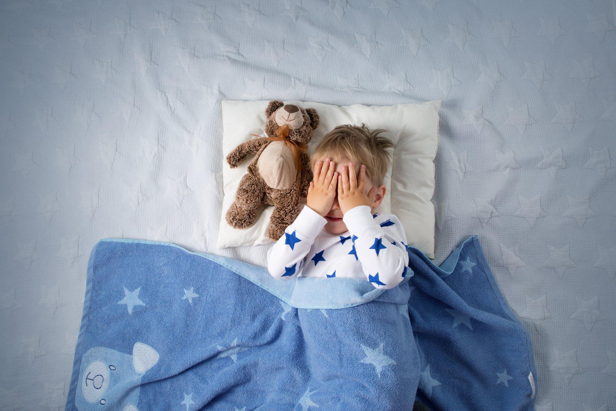 Angst im Dunkeln: Was neben Nachtlicht für Kinder noch hilft